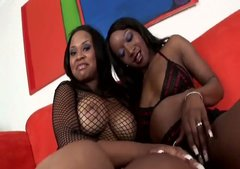 Giggling black lesbos Kandi Kream and Stacey Cash are ready to tickle cunts