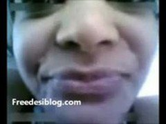 Desi Indian Young Girl Fuck In Car MMS Scandal Video